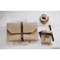 Kopertówki damskie: teczka filcowa na dokumenty / kopertówka