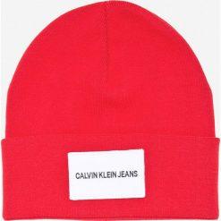 Calvin Klein Jeans - Czapka. Czerwone czapki zimowe damskie marki Calvin Klein Jeans, z bawełny. Za 179,90 zł.