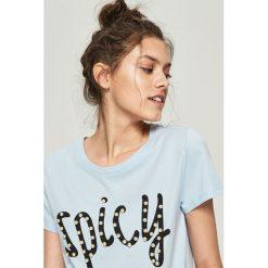 T-shirty damskie: T-shirt z perłową aplikacją – Niebieski