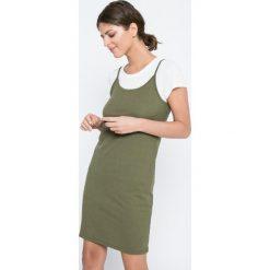 Vero Moda - Sukienka Noor Slip. Szare sukienki dzianinowe marki Vero Moda, na co dzień, l, casualowe, z okrągłym kołnierzem, z krótkim rękawem, mini. W wyprzedaży za 59,90 zł.