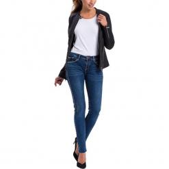 """Dżinsy """"Adriana"""" - Skinny fit - w kolorze granatowym. Niebieskie rurki damskie marki Cross Jeans, z aplikacjami. W wyprzedaży za 136,95 zł."""
