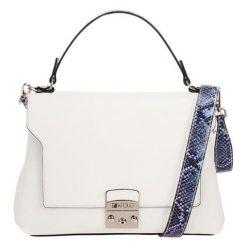 Torebki klasyczne damskie: Skórzana torebka w kolorze białym – (S)27 x (W)26 x (G)17 cm