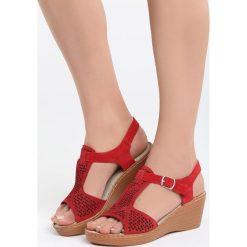 Czerwone Skórzane Sandały Firevorks Factory. Czerwone sandały damskie Born2be, z materiału, na koturnie. Za 99,99 zł.