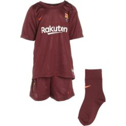 Nike Performance FC BARCELONA SET Krótkie spodenki sportowe night maroon/hyper crimson. Brązowe spodenki chłopięce marki N/A, w kolorowe wzory. W wyprzedaży za 131,45 zł.