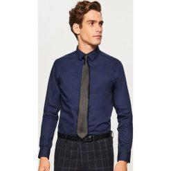 Koszula regular fit - Granatowy. Niebieskie koszule męskie marki Reserved, m. Za 79,99 zł.