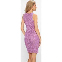 Answear - Sukienka. Różowe sukienki balowe marki ANSWEAR, l, z bawełny, z okrągłym kołnierzem, mini, dopasowane. W wyprzedaży za 114,90 zł.