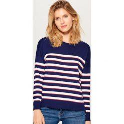 Sweter w paski - Niebieski. Niebieskie swetry klasyczne damskie marki Mohito, l. Za 59,99 zł.