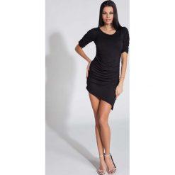 Sukienki asymetryczne: Czarna Sukienka Asymetryczna z Ozdobnym Drapowaniem
