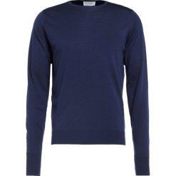 John Smedley MARCUS Sweter midnight. Niebieskie swetry klasyczne męskie marki Tiffosi. W wyprzedaży za 503,40 zł.