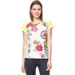 Koszulka w kolorze białym ze wzorem. Białe bluzki sportowe damskie Desigual Sport, m. W wyprzedaży za 130,95 zł.