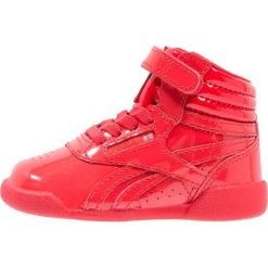 Reebok Classic Tenisówki i Trampki wysokie primal red. Czerwone trampki dziewczęce marki Reebok Classic, z materiału. Za 169,00 zł.
