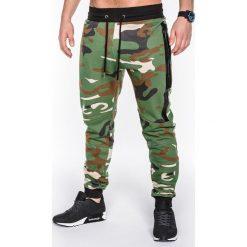SPODNIE MĘSKIE DRESOWE MORO P467 - ZIELONE. Zielone spodnie dresowe męskie Ombre Clothing, moro, z bawełny. Za 39,00 zł.