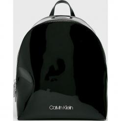 Calvin Klein - Plecak. Czarne plecaki damskie Calvin Klein, z materiału. Za 549,90 zł.