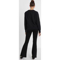Champion Reverse Weave CREWNECK Bluza black. Czarne bluzy męskie Champion Reverse Weave, xl, z bawełny. Za 379,00 zł.