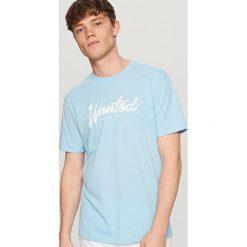 T-shirty męskie: T-shirt z nadrukiem wanted – Niebieski