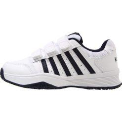 KSWISS COURT SMASH STRAP OMNI Obuwie multicourt white/navy. Białe buty sportowe chłopięce marki K-SWISS. Za 209,00 zł.