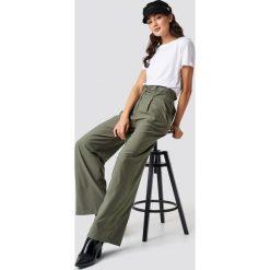 Spodnie damskie: Trendyol Spodnie Binding Detail - Green