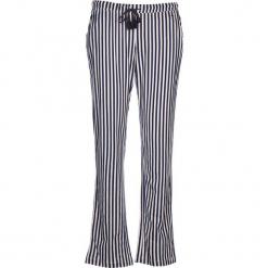 Spodnie piżamowe w kolorze granatowo-szaroróżowym. Białe piżamy damskie marki LASCANA, w koronkowe wzory, z koronki. W wyprzedaży za 58,95 zł.