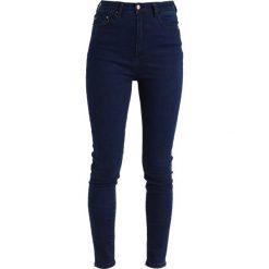 Lost Ink SUPER HIGH WAIST SKINNY IN PEONY Jeans Skinny Fit dark denim. Niebieskie rurki damskie Lost Ink, z podwyższonym stanem. Za 179,00 zł.
