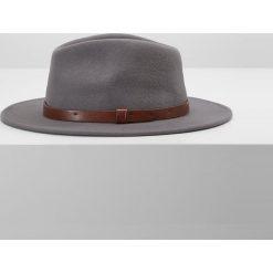 Kapelusze męskie: Brixton MESSER FEDORA Kapelusz light grey/brown
