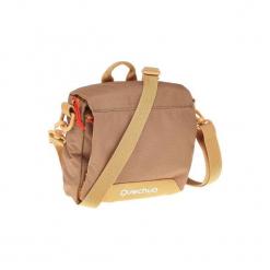 Torebka z licznymi kieszeniami. Brązowe torebki klasyczne damskie marki QUECHUA, w paski, z materiału. Za 39,99 zł.