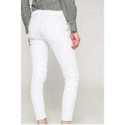 Answear - Jeansy. Szare jeansy damskie marki ANSWEAR, z bawełny. W wyprzedaży za 99,90 zł.