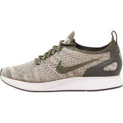 Trampki damskie slip on: Nike Sportswear AIR ZOOM MARIAH FK RACER Tenisówki i Trampki cargo khaki/summit white/light bone/black/neutral olive