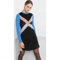 Trapezowa sukienka z zamszu. Brązowe sukienki koktajlowe marki Orsay, s, z dzianiny. Za 249,99 zł.