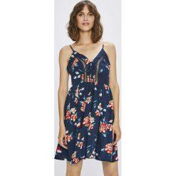 Answear - Sukienka. Szare sukienki mini ANSWEAR, na co dzień, l, z materiału, casualowe. W wyprzedaży za 59,90 zł.