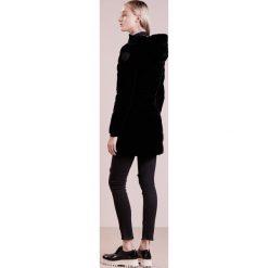 Płaszcze damskie pastelowe: Blauer Płaszcz puchowy black