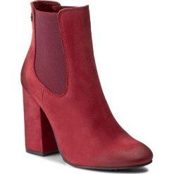 Botki CARINII - B3787 I39-000-PSK-C00. Czerwone buty zimowe damskie Carinii, z materiału, na obcasie. W wyprzedaży za 259,00 zł.