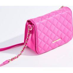 Torebki i plecaki damskie: Torebka z pikowaną klapką – Różowy