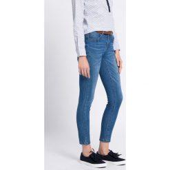 Medicine - Jeansy Work In Progress. Niebieskie jeansy damskie relaxed fit marki Sinsay, z podwyższonym stanem. W wyprzedaży za 89,90 zł.