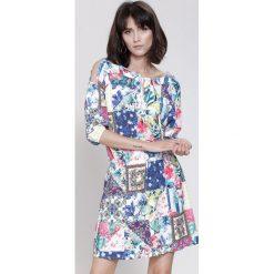 Sukienki: Biało-Niebieska Sukienka She's Wonderful