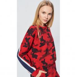 Bluza camo z kolekcji MIX and MATCH - Czerwony. Czerwone bluzy damskie marki Cropp, l. Za 89,99 zł.