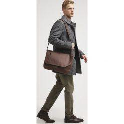 Pier One Torba na ramię brown. Brązowe torby na ramię męskie marki Pier One. W wyprzedaży za 247,20 zł.