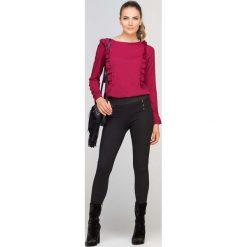 Bordowa Bluzka z Falbankami. Czerwone bluzki longsleeves marki Molly.pl, l, z jeansu, wizytowe, z dekoltem w łódkę. Za 99,90 zł.