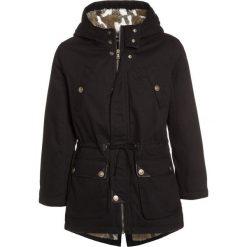 Sisley HEAVY  Parka black. Czarne kurtki dziewczęce marki Sisley, l. W wyprzedaży za 271,20 zł.