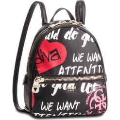 Plecak GUESS - HWGF71 84320 BLACK MULTI. Czarne plecaki damskie Guess, z aplikacjami, ze skóry ekologicznej, klasyczne. Za 559,00 zł.