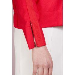 Holzweiler MALI Kurtka wiosenna red. Szare kurtki damskie marki Alma en Pena, z materiału, na płaskiej podeszwie. W wyprzedaży za 555,60 zł.