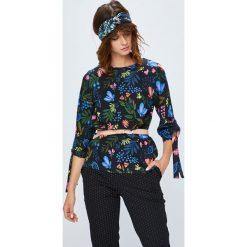 Medicine - Koszula Secret Garden. Czarne koszule wiązane damskie marki MEDICINE, l, z dzianiny, casualowe, z okrągłym kołnierzem, z długim rękawem. W wyprzedaży za 49,90 zł.