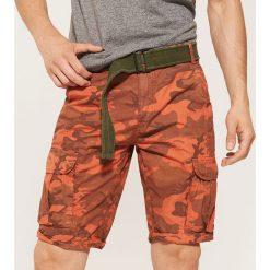Odzież męska: Szorty camo z paskiem - Wielobarwn