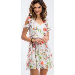 Kremowa sukienka z gumką w talii TA6185. Białe sukienki Fasardi, l. Za 64,00 zł.
