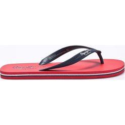 Pepe Jeans - Japonki Swimming. Różowe japonki męskie Pepe Jeans, z jeansu. W wyprzedaży za 59,90 zł.