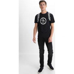 T-shirty męskie z nadrukiem: Original Penguin DISTRESSED CIRCLE LOGO TEE Tshirt z nadrukiem true black
