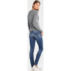 Swetry klasyczne damskie: Sisley V NECK Sweter dark grey