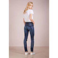 CLOSED LIZZY Jeansy Slim Fit blue satin denim power. Niebieskie jeansy damskie relaxed fit CLOSED. Za 749,00 zł.