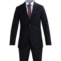 Pier One Garnitur navy. Niebieskie garnitury marki Pier One, z materiału. W wyprzedaży za 587,30 zł.