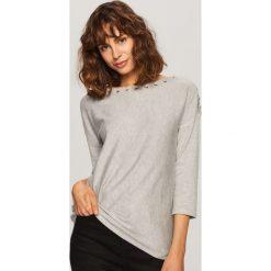 Sweter z ozdobnym wiązaniem - Szary. Szare swetry klasyczne damskie Reserved, l. Za 69,99 zł.