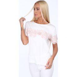 Bluzka z ozdobną koronką kremowa 22389. Białe bluzki koronkowe marki Fasardi, l. Za 54,00 zł.